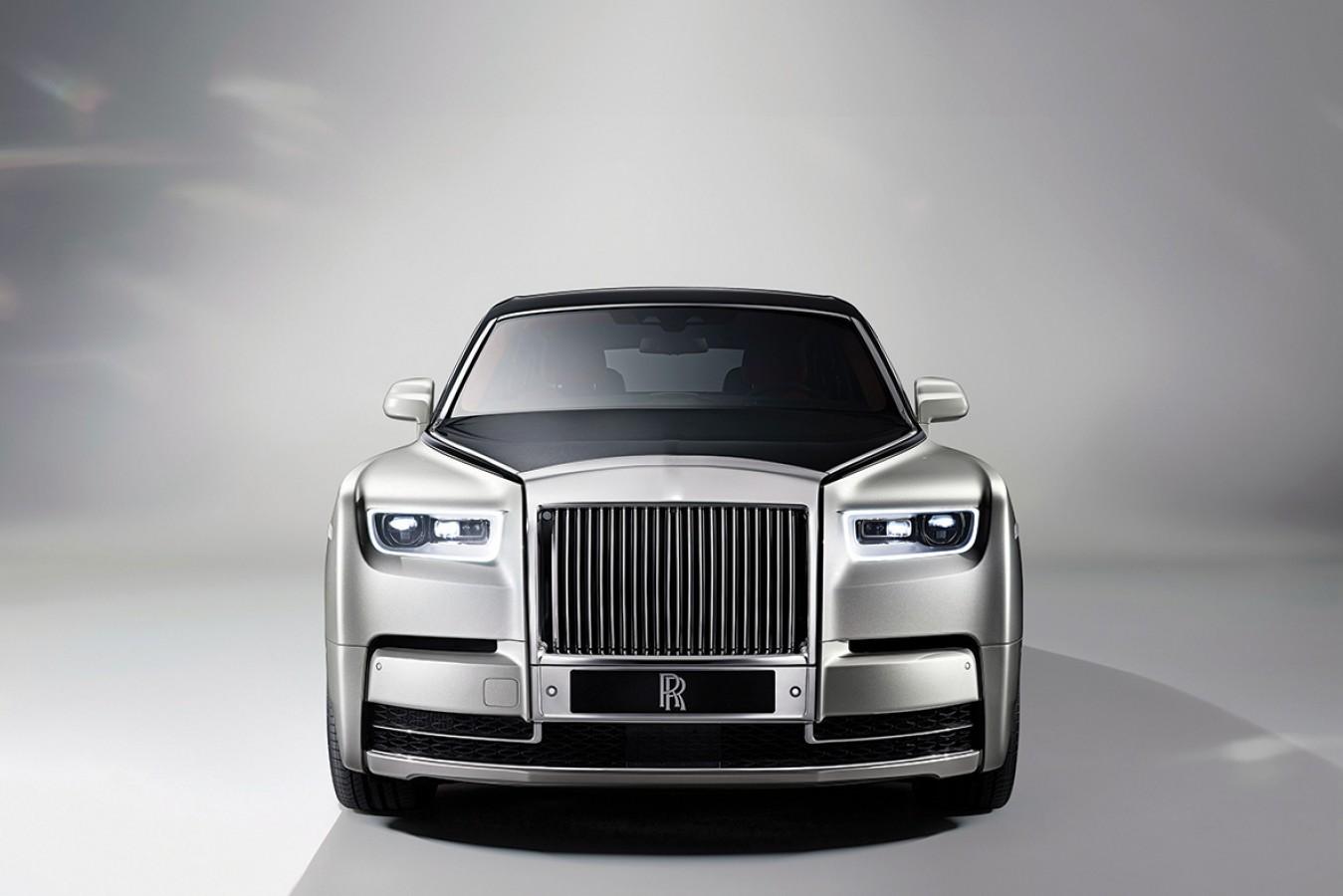 Fotomural Rolls Royce Attitude A08-M932 Fotomural Rolls Royce Attitude A08-M932